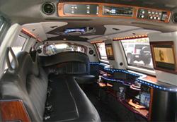 lincoln-navigator-limousine-2
